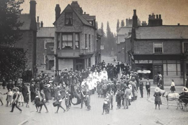 Crowds gather in Corbridge Market Place in 1910 ahead of King Edward VII's memorial service. 											           Photo: CORBRIDGE OF YESTERDAY
