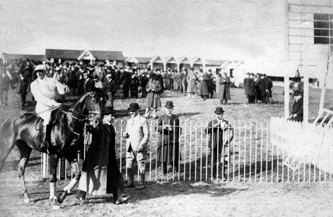 An early photo from the picturesque Hexham Racecourse, thought to have been taken between 1899 and 1905.