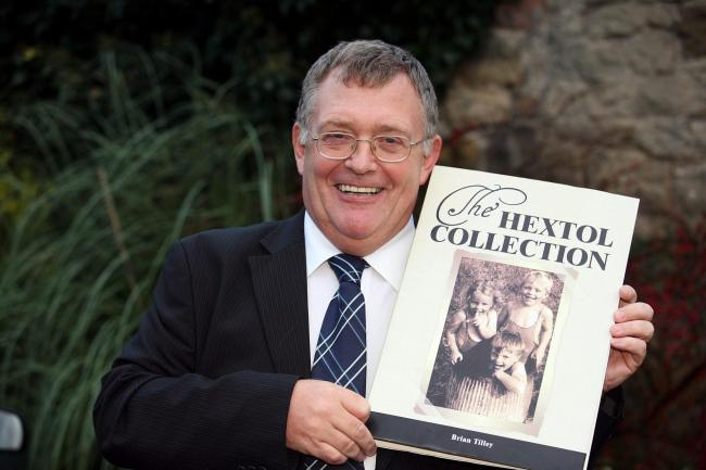 Hexham Courant deputy editor Brian Tilley with his Hextol book. D470783.