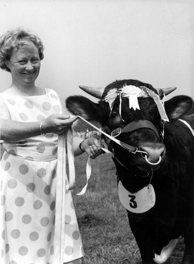 Libby Stonehouse of Westwood Farm Wylam pictured at Tynedale Show in 1979 0008206H000.jpg