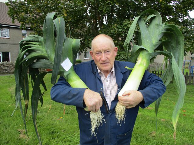 Bryen Myers with his impressive leeks at last year's show.