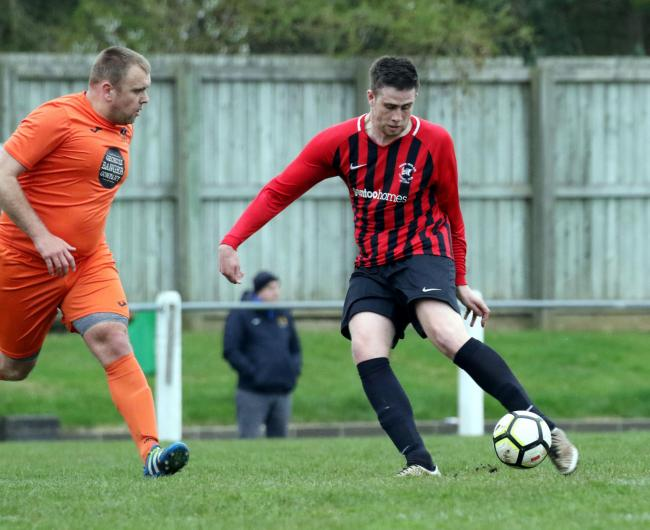 Action from the Prudhoe vs. Longbenton game.....Picture by Paul Norris.