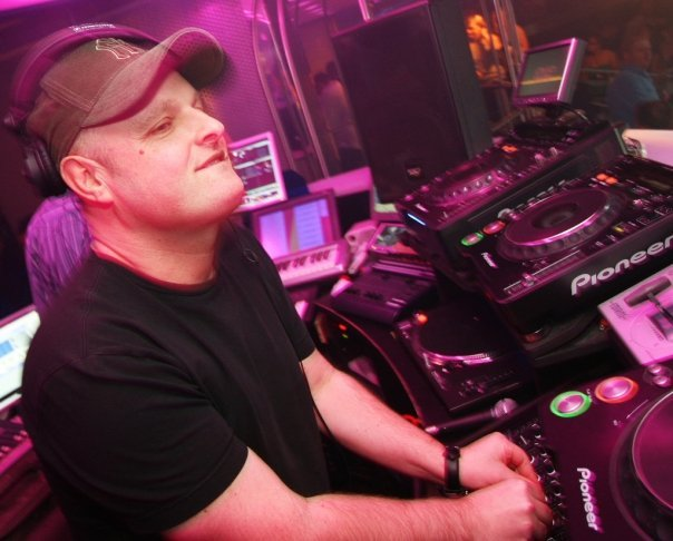 World-renowned DJ Dave Pearce will play at the Scoop Festival.