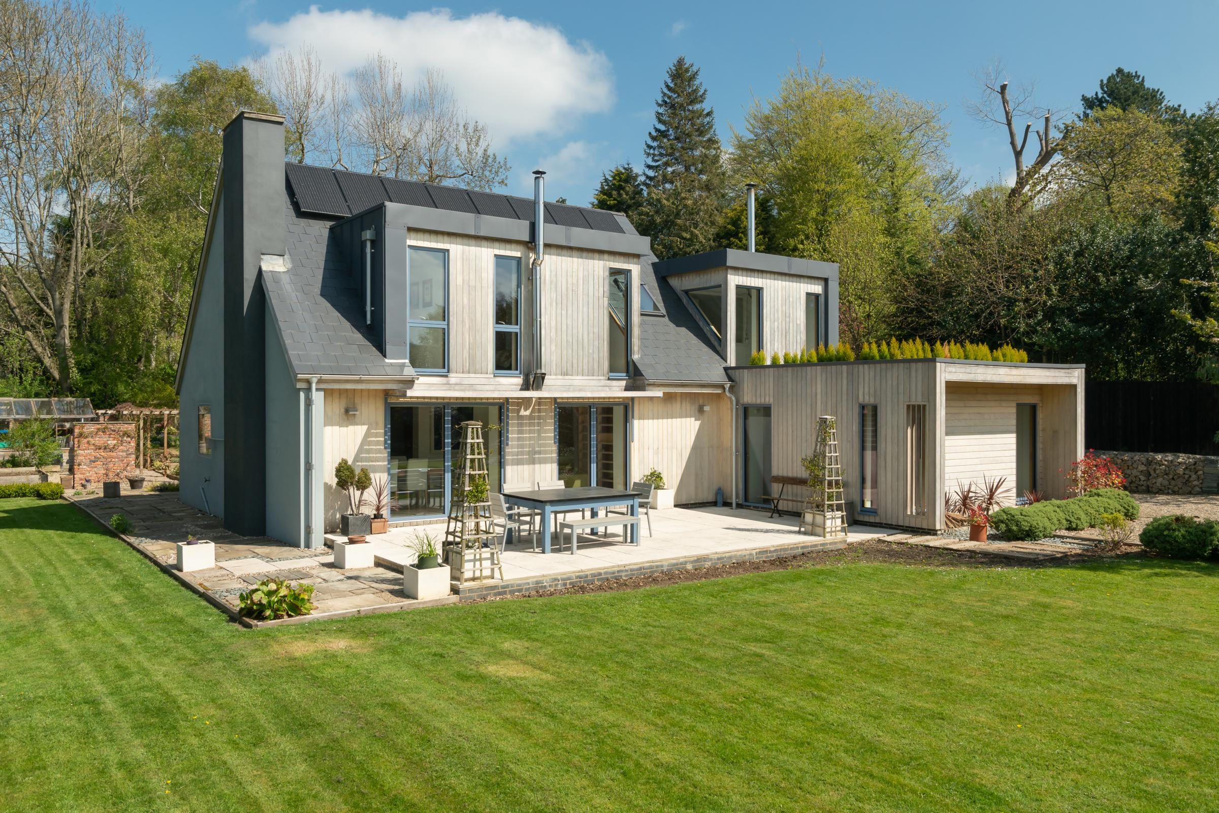The Garden House in a sought-after Stocksfield location is a magnificent eco-home designed to the highest energy-efficent standards and set in beautiful landscaped grounds